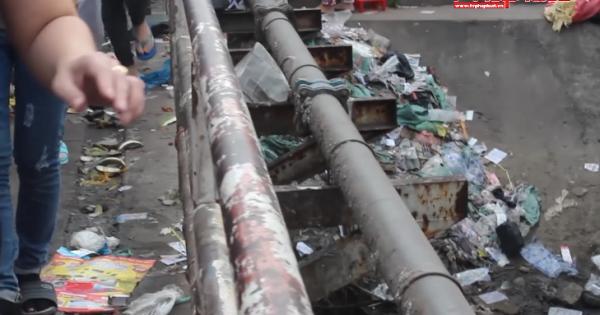 Chợ tự phát và công nhân công ty Pou yuen gây ô nhiễm