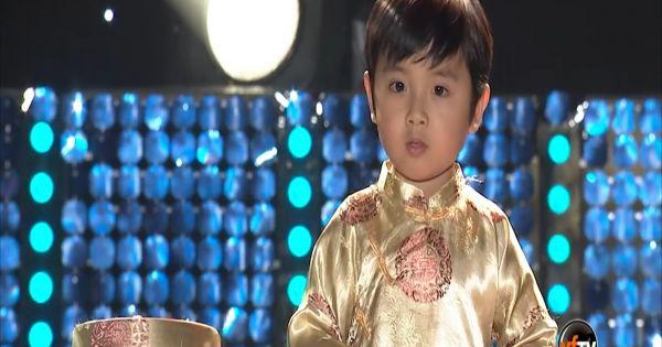 Thần đồng gốc Việt chơi đàn piano