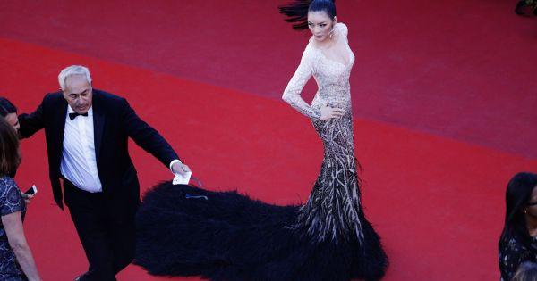 Lý Nhã Kỳ đẹp tựa Nữ hoàng Cleopatra trên thảm đỏ