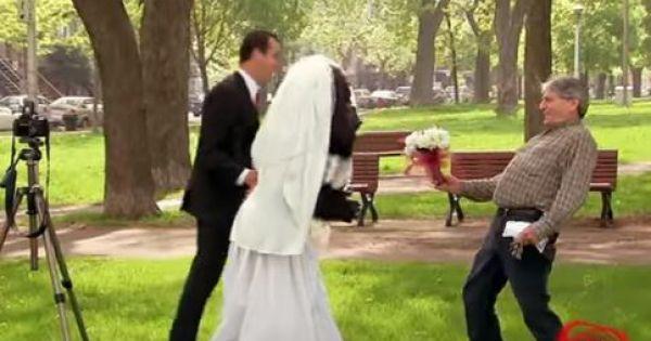 Ngã ngửa... với cô dâu đười ươi !