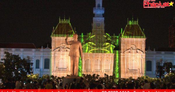 TP HCM: Rực sáng màn hình chiếu 3D kỷ niệm 50 năm thành lập ASEAN