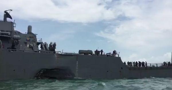 Thân tàu chiến Mỹ móp méo sau va chạm ngàn tấn