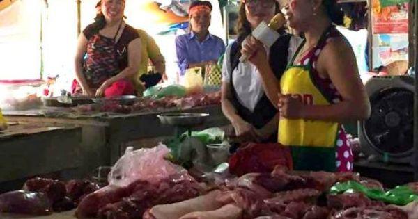 """Đeo băng rôn ngay tại chợ cổ vũ """"cậu bé Google"""" vô địch Olympia"""