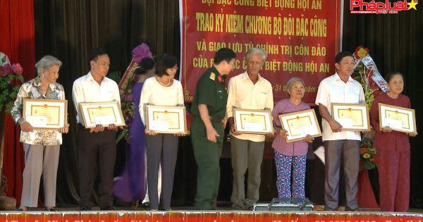Lễ trao kỷ niệm chương cho bộ đội biệt động Hội An