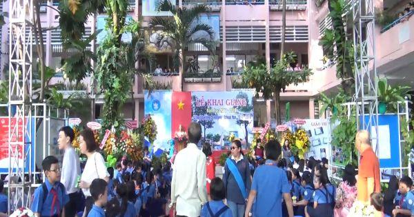 TPHCM: Học sinh háo hức đón chào năm học mới