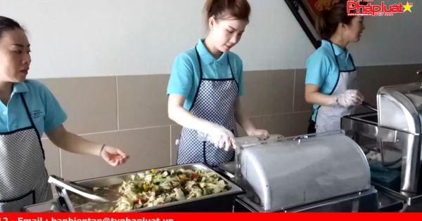 Quán cơm mở vì người nghèo tại TP HCM