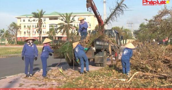 Hà Tĩnh: Nỗ lực thu gom, xử lý rác thải sau bão số 10
