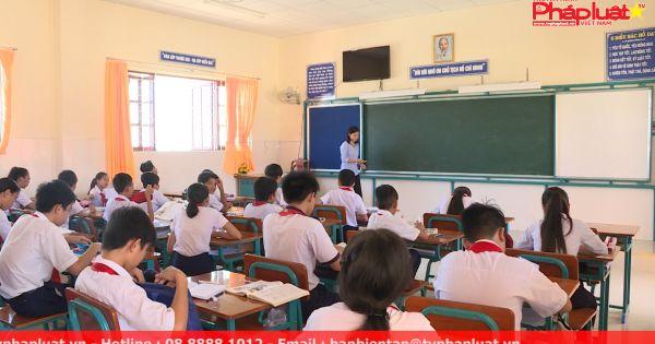 Niềm vui đến trường của học sinh trên xã đảo Thạnh An