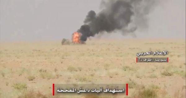 Quân Syria pháo kích ác liệt IS tại ở Deir Ezzor