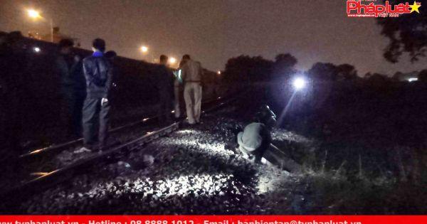 Thanh niên đi bộ ngang đường ray bị tàu hỏa đâm tử vong