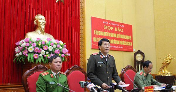 """Trung tướng Trần Văn Vệ: """"Thông tin bỏ sổ hộ khẩu, CMND là chưa chính xác"""""""