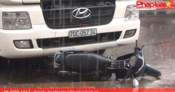 Bình Dương: Tai nạn liên hoàn giữa 3 ô tô và 2 xe máy, 2 ngườitrọng thương