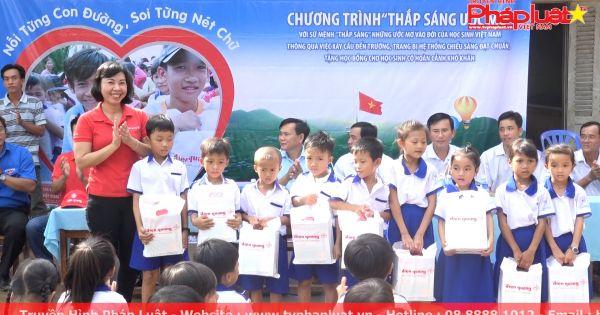 Điện Quang – Thắp sáng ước mơ cho trẻ em nghèo vùng sâu vùng xa