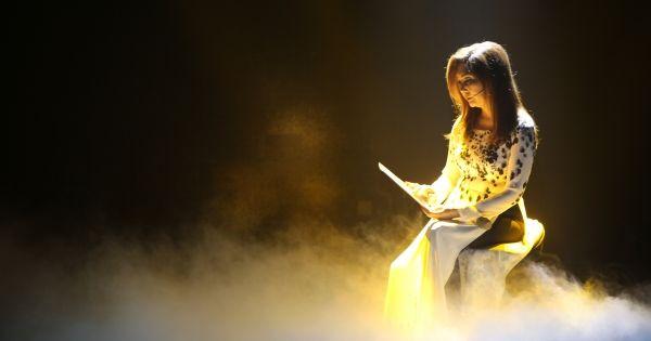 Nữ danh ca Họa Mi kể về tai tiếng bỏ chồng, tham phú phụ bần