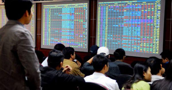 Nhà đầu tư ngoại mua gần 26.000 tỉ đồng trên sàn chứng khoán Việt