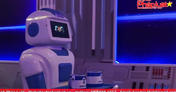 Quán cà phê đầu tiên có Robot phục vụ tại Việt Nam