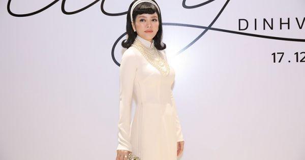Lý Nhã Kỳ hóa quý cô đài các khi diện áo dài trắng tinh khôi