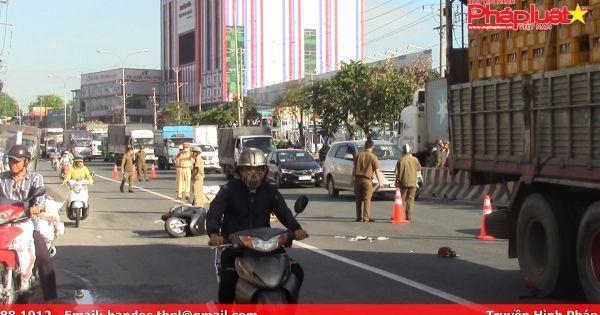 Bình Dương: Xe máy va chạm xe tải, 2 người phụ nữ thương vong