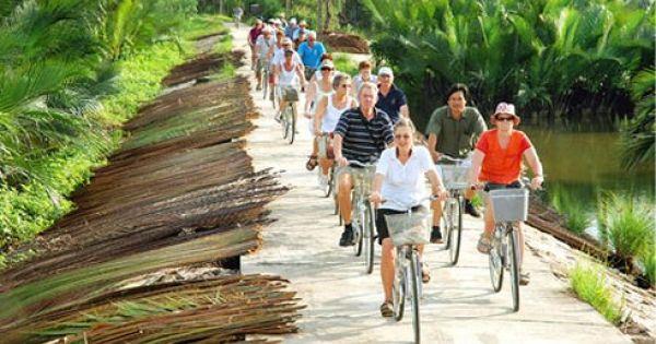 Hơn 13 triệu lượt khách du lịch quốc tế đến Việt Nam trong năm 2017