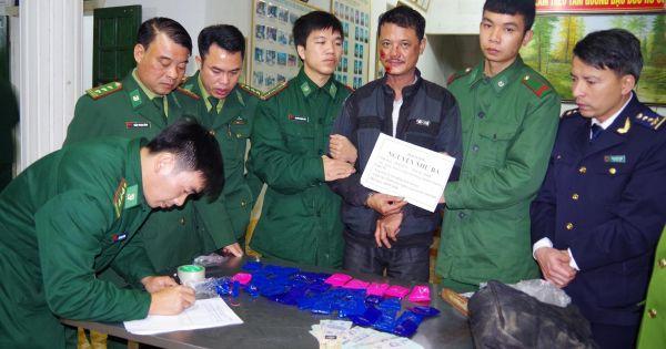 Hà Tĩnh: Bắt đối tượng vận chuyển 8.000 viên ma túy tổng hợp