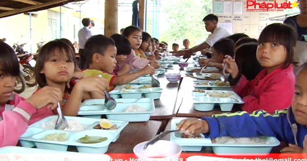 """Quảng Ngãi """"ngăn dòng bỏ học"""" bằng lớp học bán trú."""