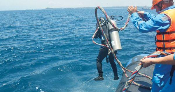 """Ống dẫn dầu thô 40 tỷ đồng """"mất tích"""" ngoài biển"""