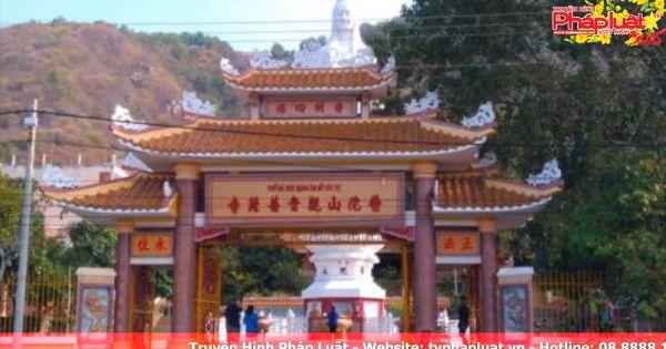 Quảng Ninh: Khách Trung Quốc vào chùa, lập hòm công đức thu 200.000 đồng/người