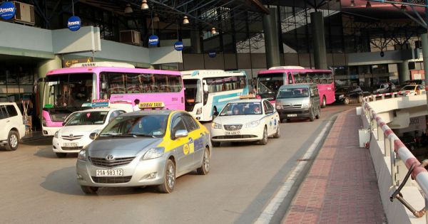 Yêu cầu các cảng hàng không bỏ quy định riêng về niên hạn taxi