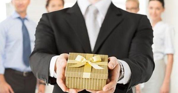 Điểm báo 02/02/2018: Các Sở không được mang quà, bao thư tặng lãnh đạo