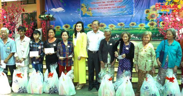 VWS chăm lo Tết cho người nghèo huyện Bình Chánh