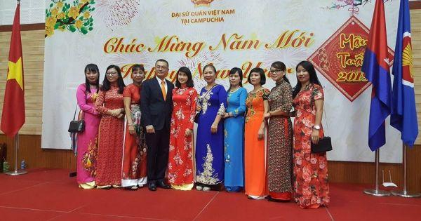 Ấm áp mừng Xuân Mậu Tuất 2018 tại Đại Sứ Quán Việt Nam ở Campuchia.