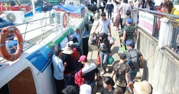 Tết Mậu Tuất 2018: Đảo Lý Sơn đón hơn 6.000 khách du xuân