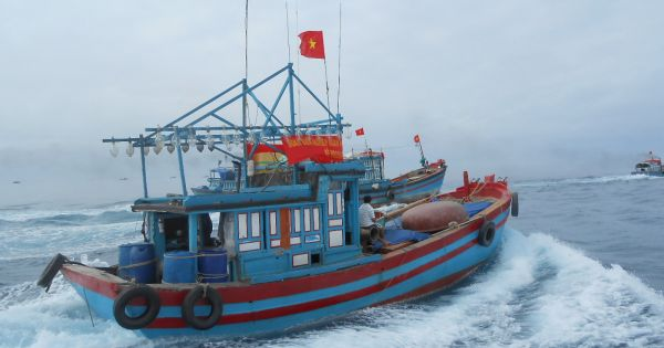 """Ngư dân tất bật ra khơi tìm """"Lộc Biển"""""""