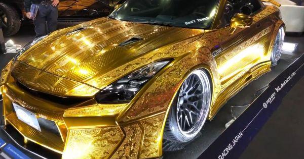 """Mãn nhãn với siêu xe được phủ một lớp vỏ bọc toàn bằng """"vàng"""""""