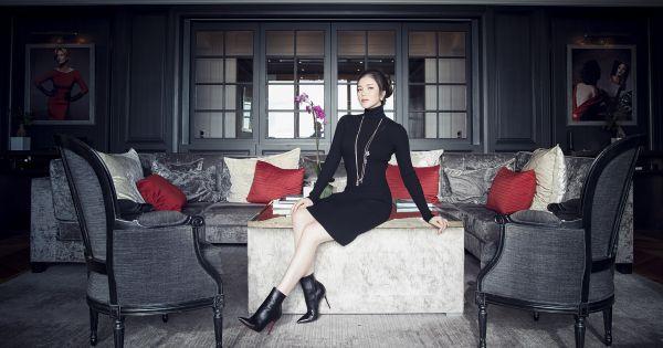 Lý Nhã Kỳ sang chảnh trong căn phòng siêu đắt đỏ Christian Dior Suite