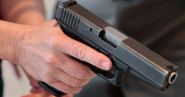 Mỹ: Một vụ tai nạn liên quan đến súng khiến một nữ sinh thiệt mạng