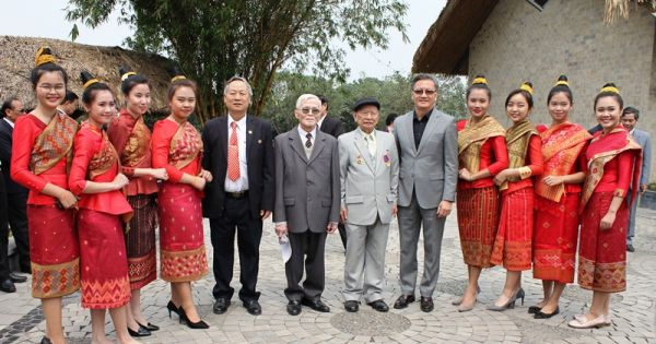 Gặp gỡ hữu nghị Việt Nam - Lào chào mừng Tết Cổ truyền Bunpimay Lào