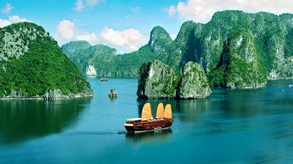 Phát triển du lịch bền vững trong các khu Di sản Thiên nhiên Thế giới