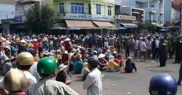 Bình Định: Hàng trăm người dân chặn Quốc lộ 1, phản đối xây nhà máy thủy sản