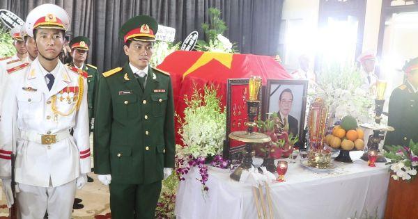 Người dân ngậm ngùi viếng cố thủ tướng Phan Văn Khải