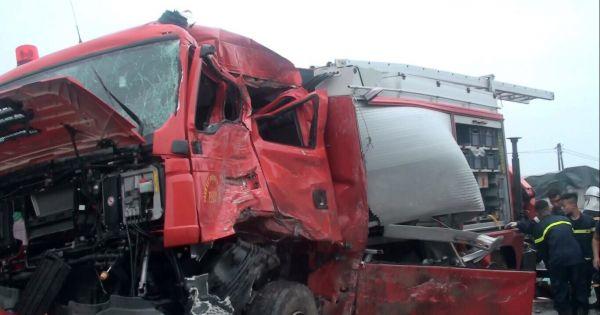 Xe khách đấu đầu xe cứu hỏa trên cao tốc Pháp Vân – Cầu Giẽ