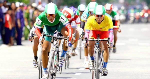Huỳnh Thanh Tùng vẫn giữ áo vàng sau chặng 7 giải xe đạp xuyên việt 2018