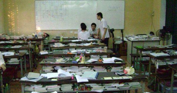 Trường học như trại lính