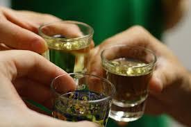 Bộ Y tế đề xuất 3 phương án về thời gian cấm bán rượu, bia
