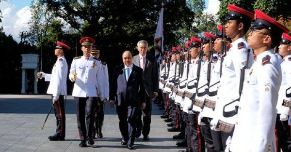 Điểm báo sáng 26/04/2018:Thủ tướng Nguyễn Xuân Phúc thăm chính thức Xin-ga- po và dự Hội nghị cấp cao ASEAN lần thứ 32
