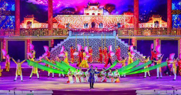 Festival Huế: Hàng nghìn người chen chân xem lễ hội áo dài
