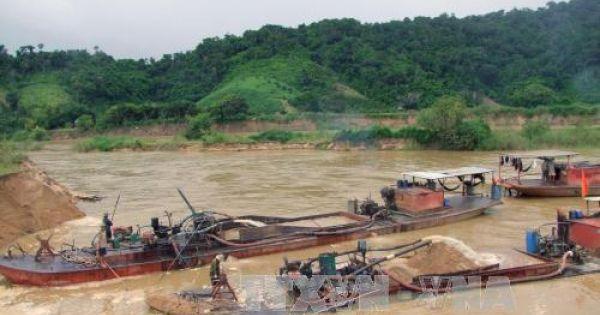 Bến Tre: xử lý hàng trăm trường hợp khai thác cát trái phép