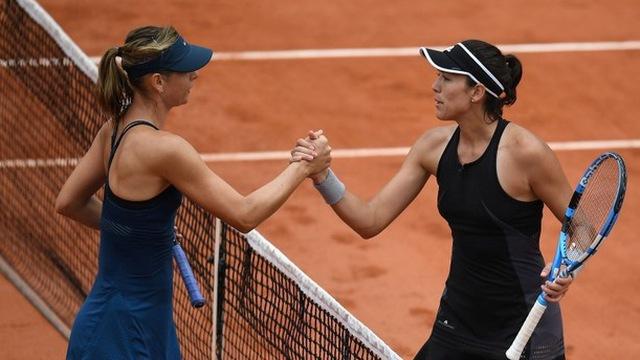 Búp bê Nga Sharapova rời giải Roland-Garros