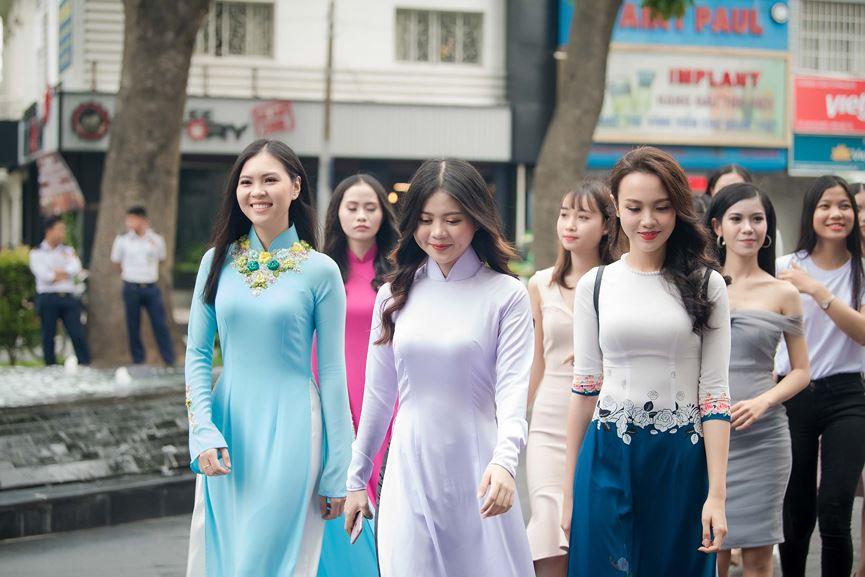 30 thí sinh dự chung khảo Hoa hậu phía Nam lên đường ra Bình Định chinh phục vương miện