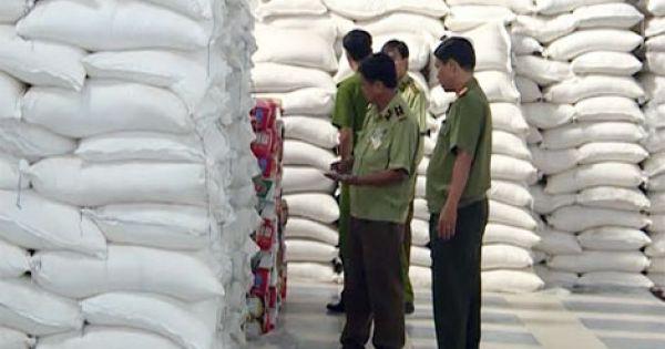 Quảng Nam: Bắt quả tang kho chứa 100 tấn đường nhập lậu